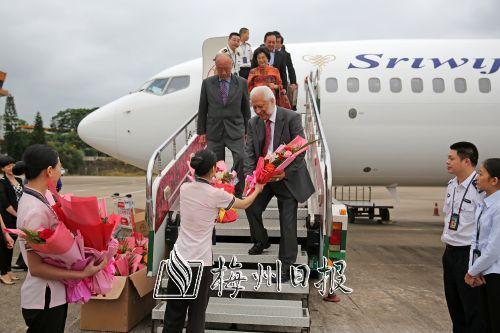梅州首条中远程国际航线雅加达至梅州国际航线正式通航